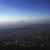 Пятигорск на фоне гор Кавказа :: Николай Николенко