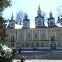 Печорский монастырь :: Наталья Левина