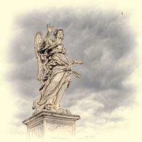 Скульптура на мосту Святого Ангела :: Лидия Цапко