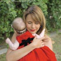 материнские объятия :: Nataliia Zhaglova