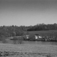 Домик у реки :: Юрий Заботкин