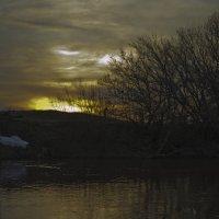 Весенний закат на Кинеле :: Владимир Сворочаев