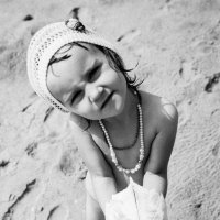 девочка с черепом черепахи :: Серафима Мирная