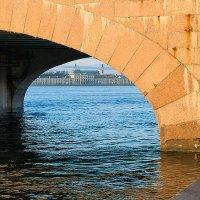 Под сводами моста :: Valerii Ivanov