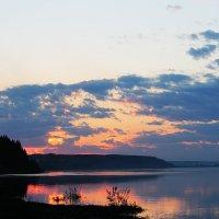 Вечер у реки :: Юрий Ермаков