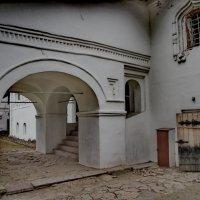 Монастырская арка. :: Sergey Serebrykov