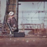 Девочка и чемодан :: Надя Белан