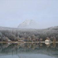 Гора и озеро :: Юлия Грозенко