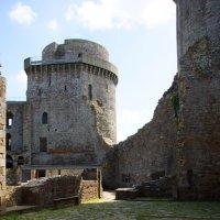 замок был разрушен еще в 14 веке :: Елена Мартынова