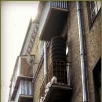 И люди мы все разные и балконы у нас неповторимые... :: Ольга Кривых