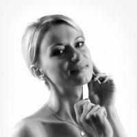 Дама в белом...2 :: Андрей Войцехов