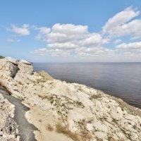сползание берега :: Андрей ЕВСЕЕВ