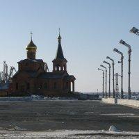 Дудинский храм :: Сергей Карцев