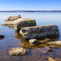 Камни у воды. :: Алексей. Бордовский