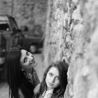 Tamila & Ira :: Wlodzimier Kramarchuk