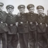 Выпускники детсада (1956 г., я 3-й слева) :: Юрий Поляков