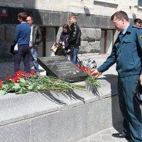 День памяти жертв теракта 29 декабря 2013г. Открытие Вокзала и мемориальной доски :: Ежи Сваровский