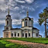 Церковь у реки :: Андрей Куприянов