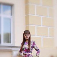 девушка на прогулке :: Ольга Петушкова