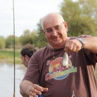 Ловись рыбка большая ....и маленькая. :: Larisa Gavlovskaya