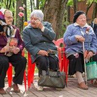Этот праздник, со слезами на глазах... :: Олег Козлов