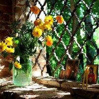 В заброшенном храме :: Наталья Лезина