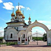 Деревенская церковь. :: Михаил Столяров