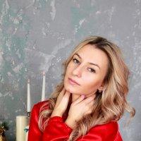 Дама в красном... :: Мария Дергунова