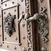 Глубока над Влтавой,ручка двери замка :: Сергей Шруба