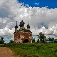 у дороги :: Galina