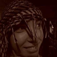 Девушка в арафатке. :: Руслан Грицунь