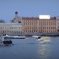 Вид на домовую церковь Николаевского дворца от Академии художеств :: sv.kaschuk