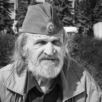 Май :: Павел Новоселов