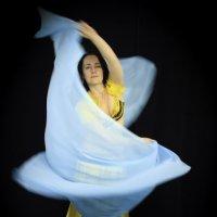 Танец :: Юрий Мельник