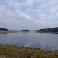 Деревенское озеро. :: Rafael