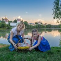 Около Новодевичьего монастыря :: Любовь Б