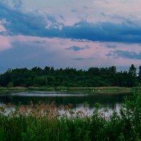 Озеро в Шумилино в вечернее время. :: Анатолий Клепешнёв
