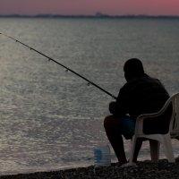 Рыбак и море :: Андрей Вячеславович