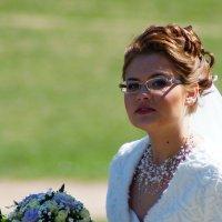 невеста(фото из далека) :: Александр Шурпаков