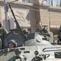 Экипаж машины боевой :: Алексей Окунеев