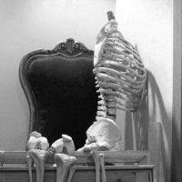 В коридорах театрального училища,случайный снимок.Притомился..... :: Ирина Томина