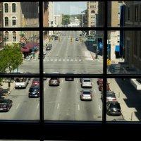 Динамика движения (из окна мола) :: Яков Геллер