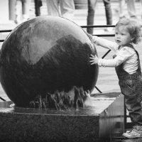 Мальчик с шаром :: Ярослав Трубников
