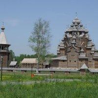 Покровская церковь в Невском лесопарке. :: Валерий Новиков