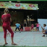 Танцы по средам для всех желающих с 20.00 до 21.00 :: Ольга Кривых