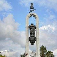 Памятник 1 :: Николай Варламов