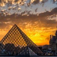 Пирамида Лувра... :: Ваган Мартиросян