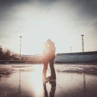 Коньки и любовь :: Андрей Хахалов
