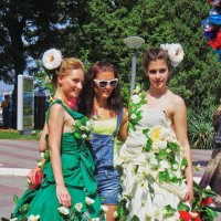 цветы на платьях :: Валерий Дворников