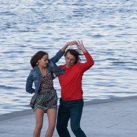 ... Это энергичные танцы .. :: Александр Шамов